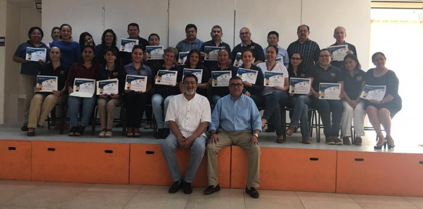 Clausura del curso Programa Integral de Desarrollo Directivo